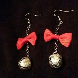 Jingle bell bow christmas earrings